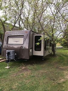 35 foot Rockwood ultra light travel trailer