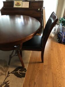 Dining set 5pc - Round table and 4 chairs - Solid Wood