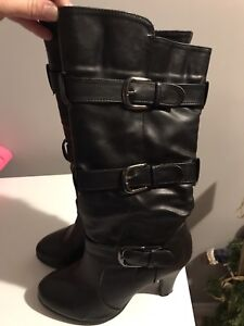 Ladies size 8 Suzy Shier boots
