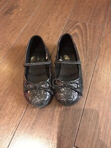 Size 8T girls black dress shoes