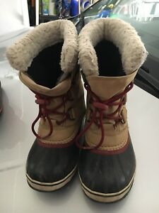 Boy's Sorel Winter Boots Size 2