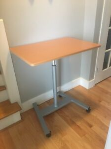 Adjustable Standing / Sitting Work Table
