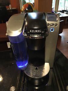 Machine à café Keurig et rangement