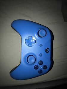 Like new Xbox one controller SELL FAST