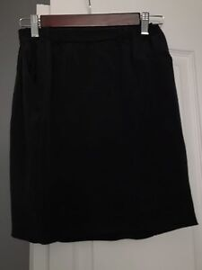 Black Wilfred skirt from Aritzia