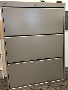 FREE ........ Filing Cabinets