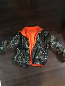 S/M HUNTING JACKET BARELY USED