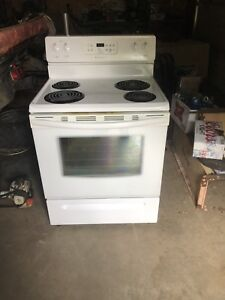 Newer white Frigidaire oven