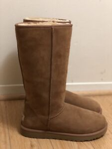 UGG TALL SHEEPKIN BOOTS 100% Brandnew