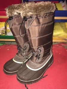 Brand New women Kodiak winter boots size 6/7