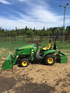 JD 1023E yard tractor
