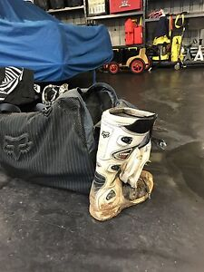 Motor bike bag and boots Stony Rise Devonport Area Preview
