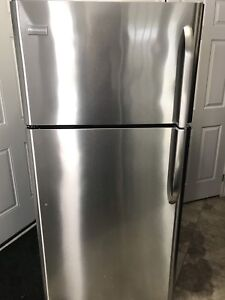 FRIGIDAIRE TOP MOUNT STAINLESS STEEL REFRIGERATOR