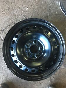 Roue Ford 15 pouces