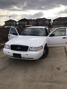 Ford Crown 2009 police car for sale Only 74000 Km
