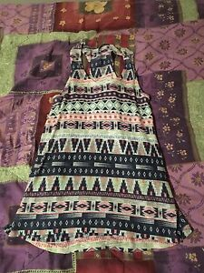 Women's Aztec Print shirt size M only worn once!
