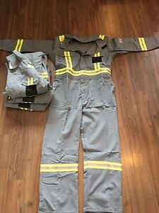 Brand new FR coveralls 46 Regs
