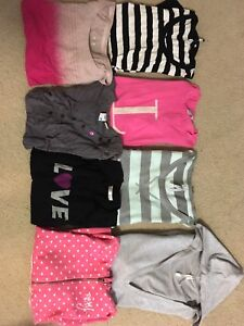 Women's lot of clothes - size small/medium