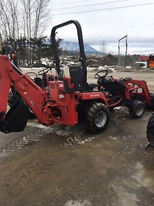 Massey furguson GC2310 TLB loader with backhoe