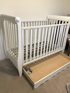 Baby Crib with lots of features