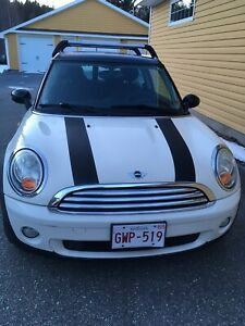 2009 White Mini Cooper Clubman