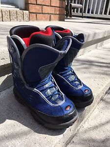 """""""Ride"""" woman's snowboard boots (size 8)"""