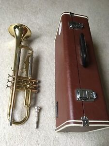 Yamaha YTR 232 Trumpet Made in Japan! great student horn!
