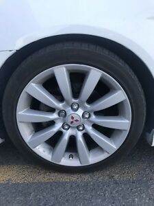 "Mag Mitsubishi 18"" 225 45 18 300$ nego"
