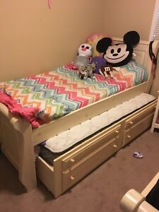 2 trundle beds
