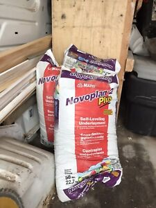 Three bags of floor levelling (self-leveller)