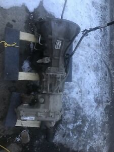 2003 Jeep Liberty 4 seed auto and transfer case