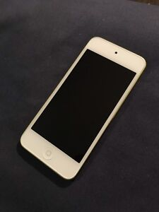 iPod Touch 5th Generation 16gb Green