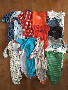 Lot de pyjamas et cache-couches bébé garçon 9 mois