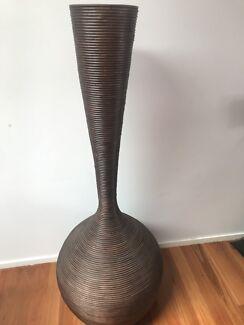 Villa and hut timber vase decrativ