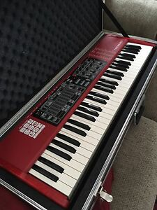 Nord Electro 3 61 w/ Clydesdale Hard Case