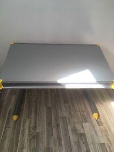 Table a dessin, bureau  de travail moderne