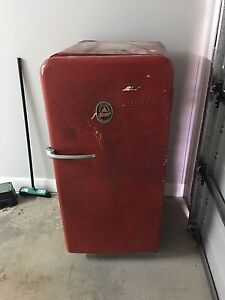 Free Retro beer fridge Hobartville Hawkesbury Area Preview