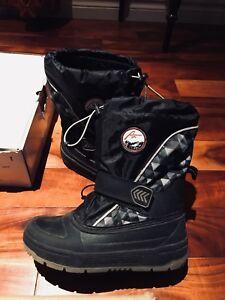 Winter boots kids size 1 Alpinetek