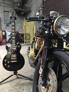 Yamaha RD400 1977 show bike cafe racer
