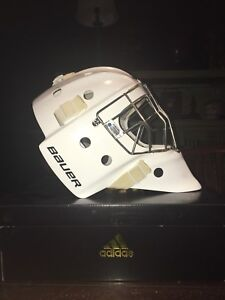Brand new PRO Bauer 960 Goalie Mask