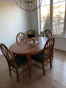 Dining room set 6 chairs plus leaf large solid wood