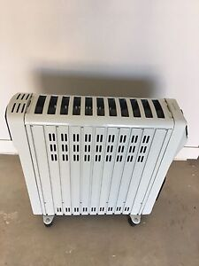 Hotpoint oil heater Kellyville The Hills District Preview