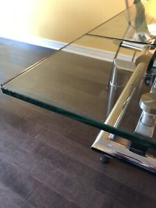 Extendable tempered glass table