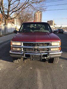 1995 Chevrolet 6.5 Turbo Diesel avec pelle à neige Fisher