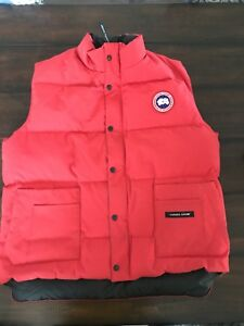 Canada Goose Red Vest size L