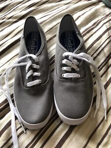 Ladies Keds shoes in size 9.5