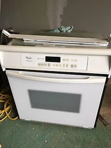 Whirlpool Accubake self cleaning wall oven.