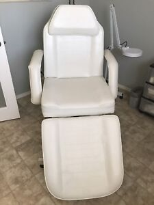 Spa chair or lay flat for bed