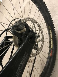 Specialized mountain bike / VTT excellent état