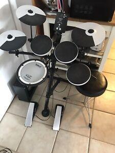Roland electric drum kit TD-1KV
